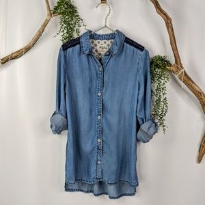 Holding Horses Dakota Chambray button down shirt